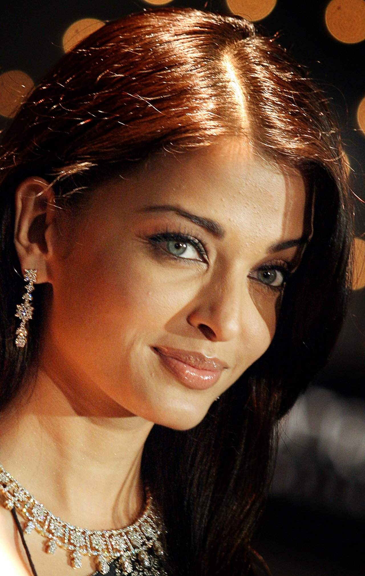 Bollywood Actress - Aishwarya Rai, Kareena Kapoor